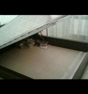 Двуспальная кровать, тумбочки, матрас