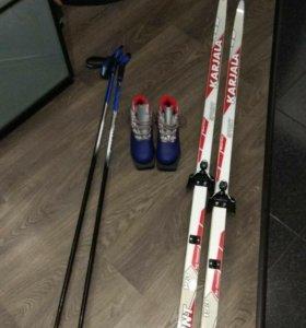 Беговые лыжи с палками и ботинками р 38
