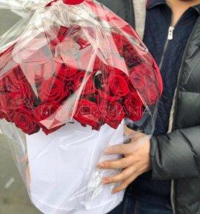 Красные розы в коробке новочеркасская