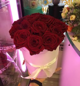 Цветы букеты розы в коробке