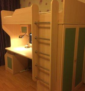 Двухэтажная кровать+стол+шкаф