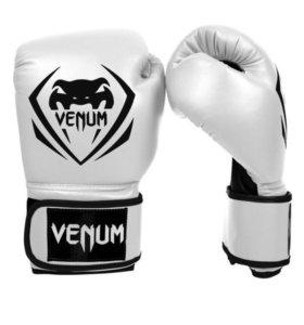 """VENUM"" Боксерские перчатки (ММА)"