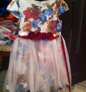 Очень красивое праздничное платье