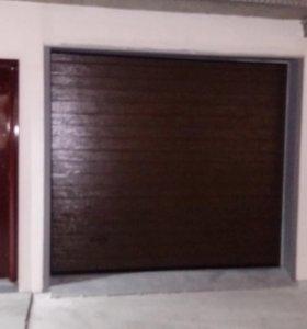 Ворота секционные гаражные ( на фото образец)