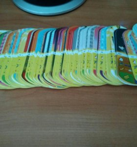 Карточки Миньоны с Магнита и ластики Тролли