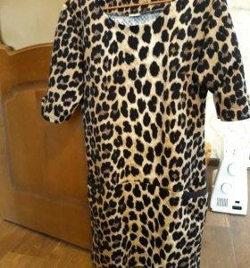 Теплое платье плотного материала. Хорошо тянется