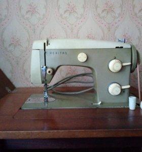 Швейная машина веритас.