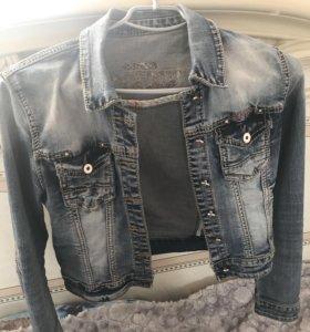 Джинсовая куртка s-m