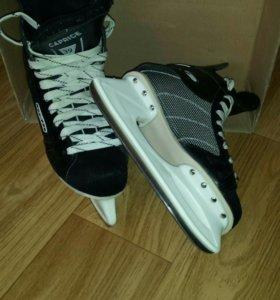 Коньки хоккейные, 39 размер