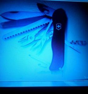 Швейцарский складной нож