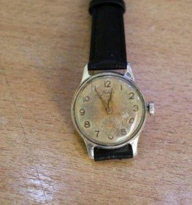 Часы советские победа из чистого серебра
