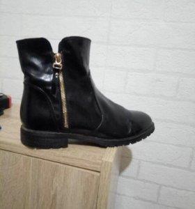 Ботинки женские кожаные 37 -38