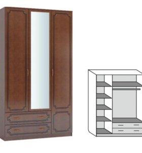 Шкаф распашной 3-х дверный зеркало лак