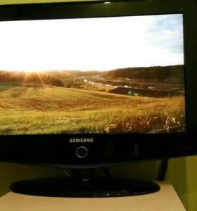 "Телевизор Samsung 26""  66  см"