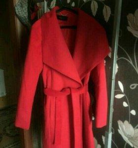 Пальто,46 размер