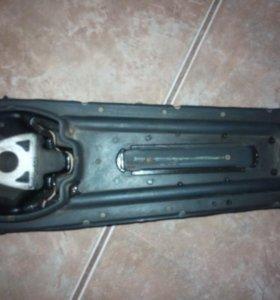 Подушка двигателя рено логан