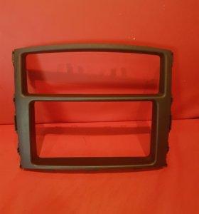 Рамка магнитолы на паджеро 4.