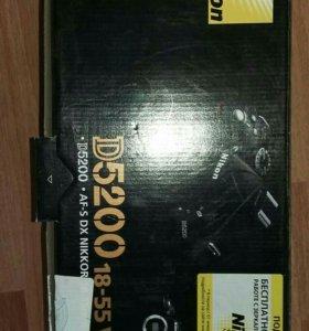 Продам зеркалку Nicon D5200 18-55 VR Kit