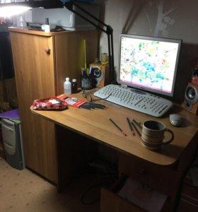Столик с тумбочкой и шкафчиком