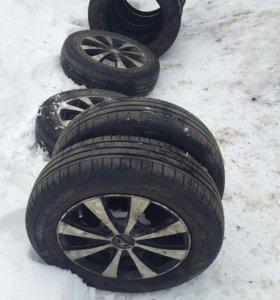 R13 Шины зима, лето ,литые диски+гайки и ключ