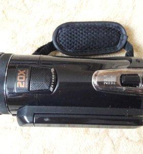 Продам видеокамеру Sony HDR-CX700E