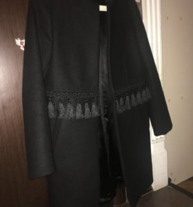 Весенние пальто френч чёрное xs Zara с бахромой