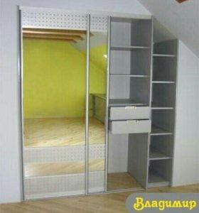 Шкаф-купе в мансардной комнате