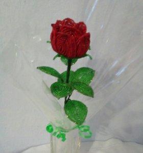 Цветы из бисера -Роза из бисера