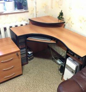 Компьютерный (письменный) угловой стол