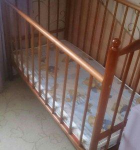 Кроватка-маятник детская с матрасом