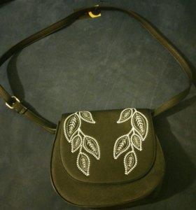 Новая черная сумка с вышивкой