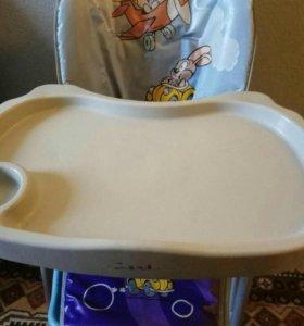 Детский стульчик-стол для кормления