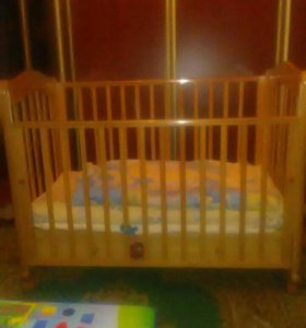 Кроватка детская