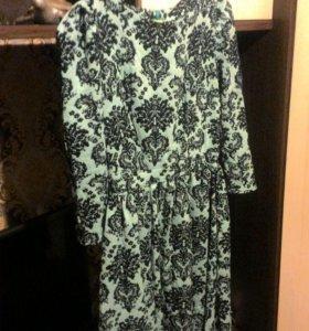 Платье 42-44 цвет бирюзовый .ярче чем на Фото