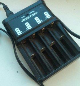 Зарядник для аккумуляторов 18650.