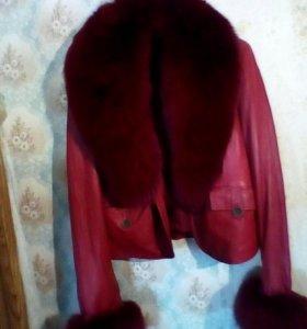 Женская,коженная куртка