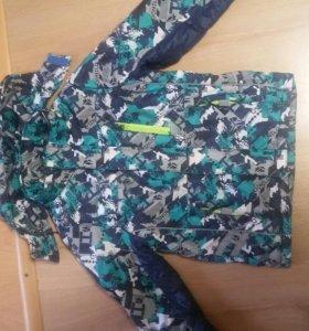 Весенняя куртка 134-140