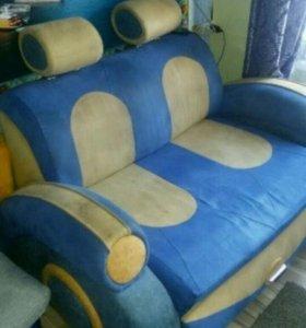 Детский диван в виде машины
