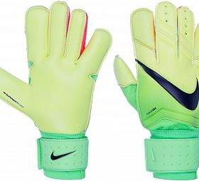 Перчатки вратарские.
