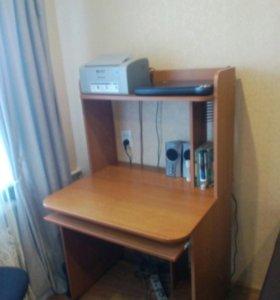Столик компьютерный(письменный)