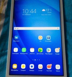 Планшет Samsung Galaxy Tab sm-t580