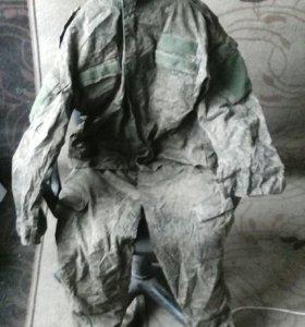 Военные штаны и куртка