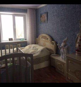 Шкаф комод с зеркалом тумба кровать