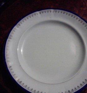2 тарелки