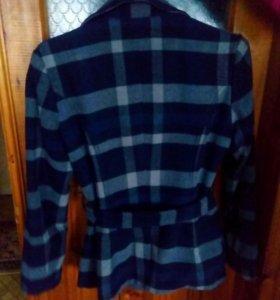 Продаю женское полу пальто