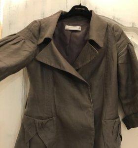 Льняной пиджак с широким поясом