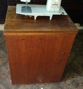 Машинка швейная с ножным приводом