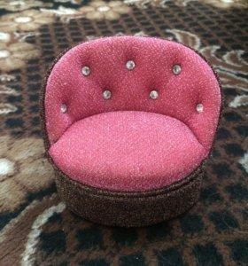 Кресло для хранения украшений