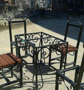 Оградки столы лавочки.