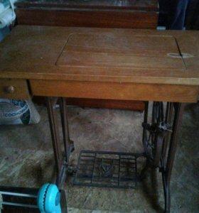 Ножная механическая швейная машинка Tikka
